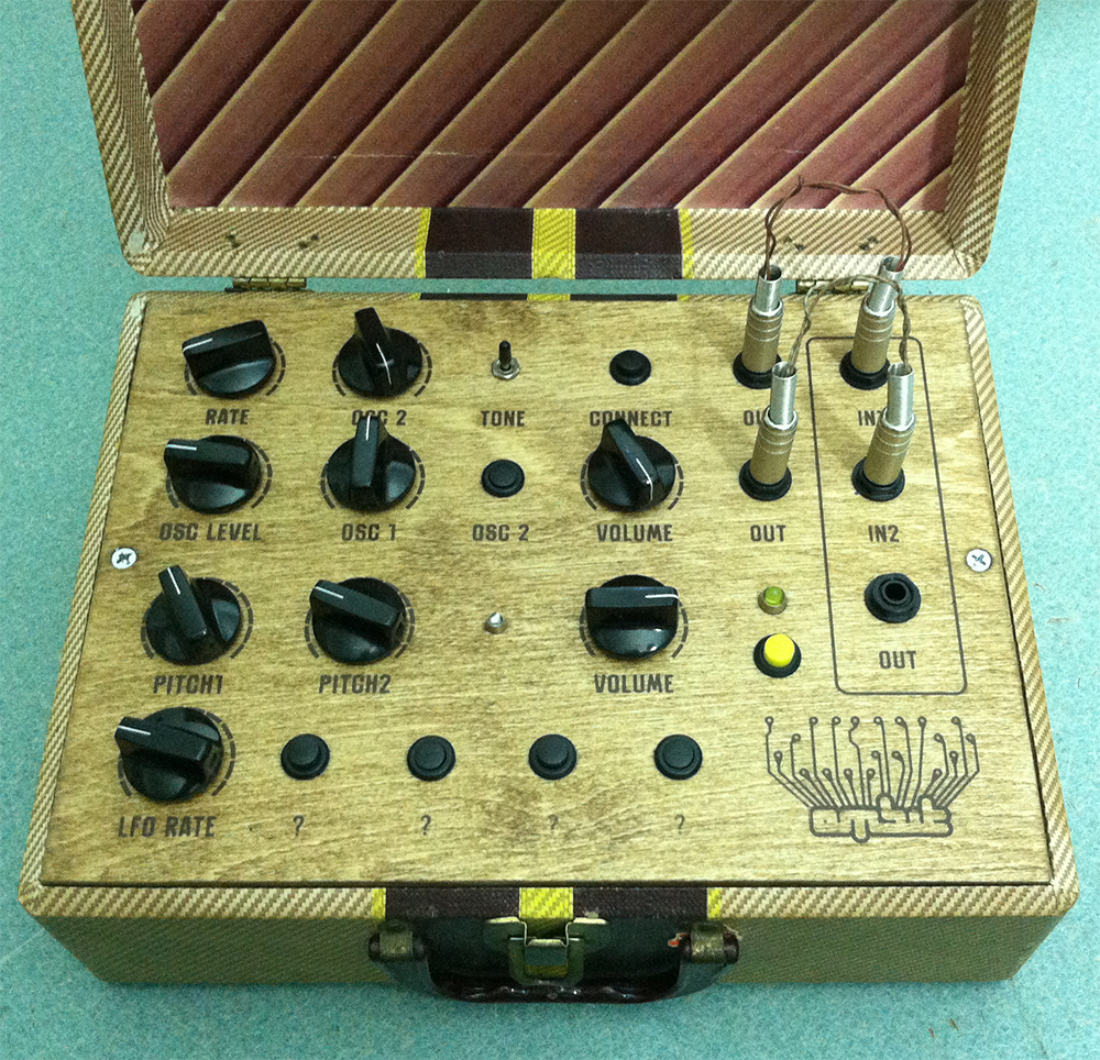 Portable Noise Maker Retro Synthesizer in Portable Case - ambitstudio - Motherfuzzer's Brother